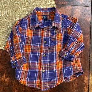 5/$20 Old Navy button up plaid shirt